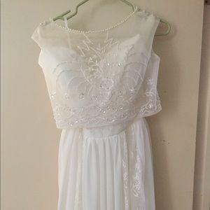 Dresses & Skirts - White evening dress